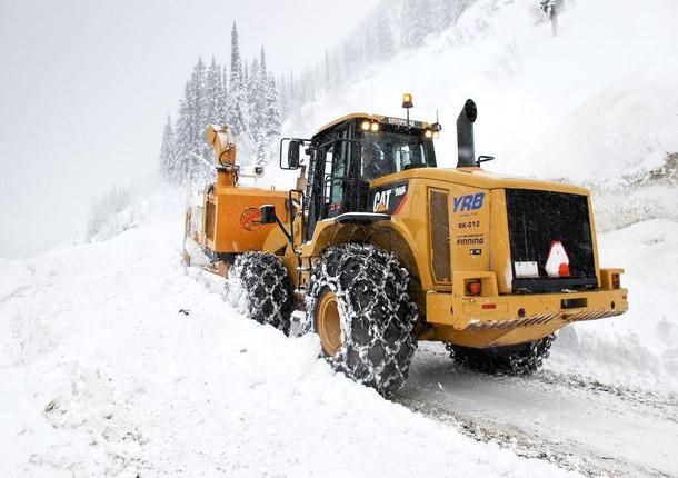 В Люберцах ведут борьбу со снегом